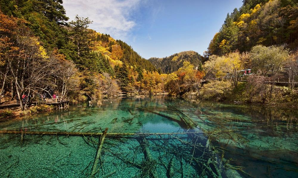 Петцветното езеро