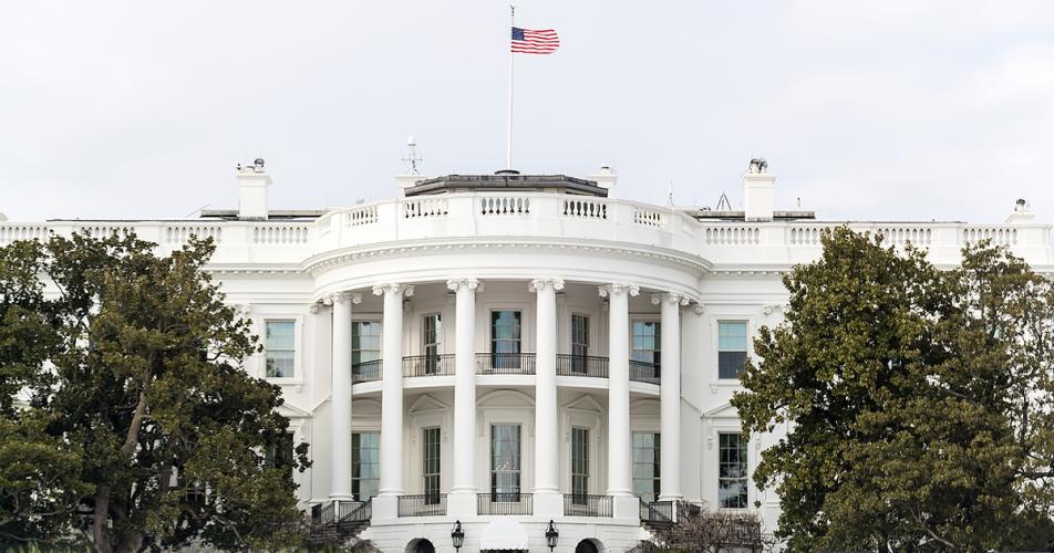 Как е построен Белият дом и какви изненадващи факти крие историята му?