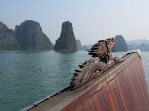 Тази легенда също е част от общото убеждение, че виетнамският народ произхода на Дракон.