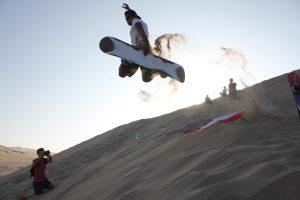 Спускането с пясъчен борд е