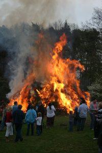 Огньове се палят